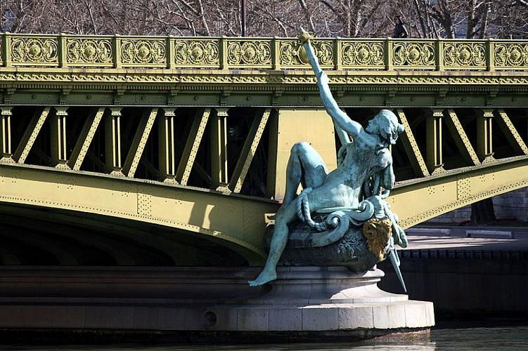 Les statues des ponts de Paris