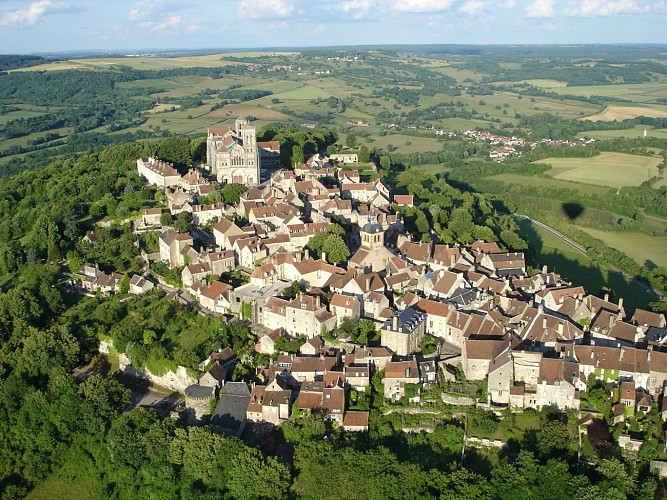 Must–see sites in Vézelay from past to present