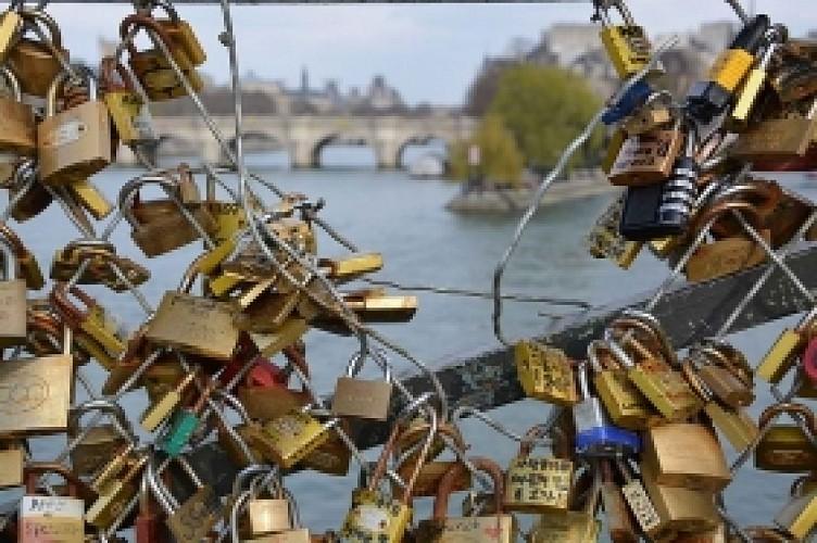Romantic continuous-flow Paris