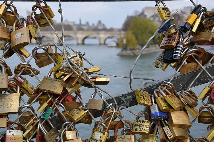 Paris au fil de l'eau en amoureux