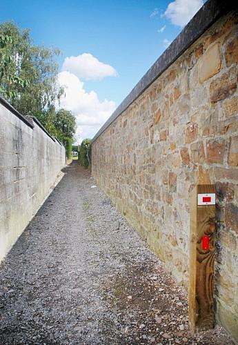 39 Promenade de Trieu Presgaux - balise rouge