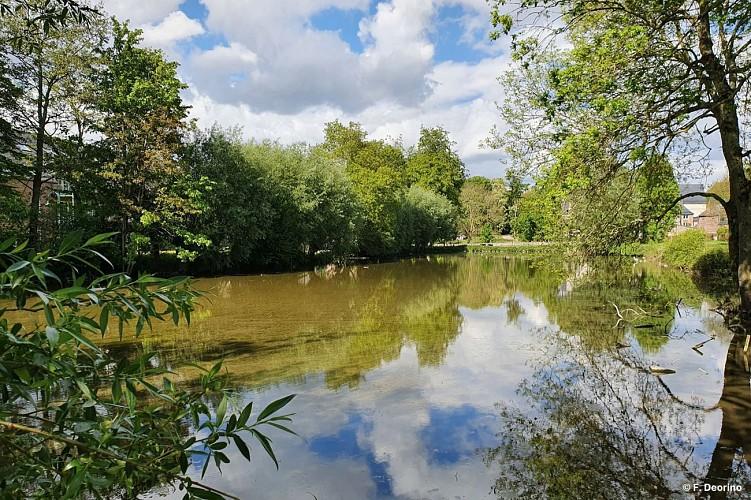 Houtain-le-Val: Fermes et châteaux