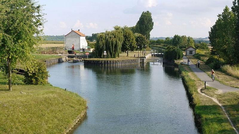 Canal de l'Ourcq à vélo