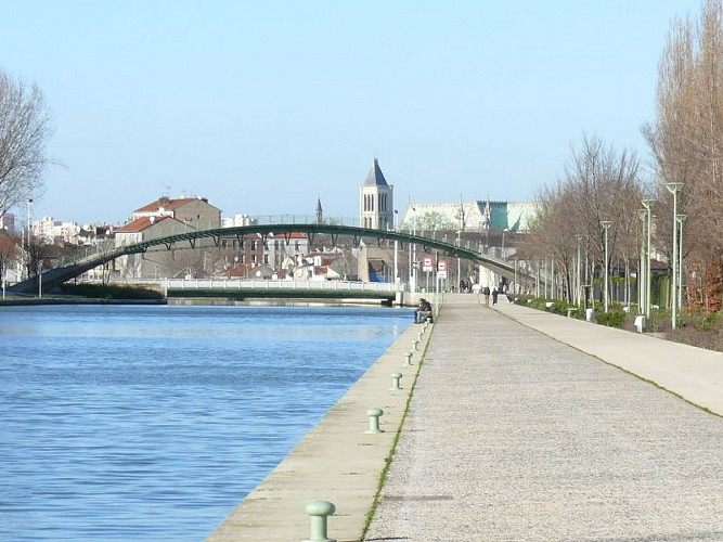 Canal Saint-Denis à vélo