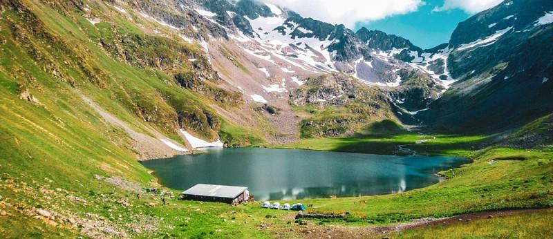 Hiking and lake and  refuge de la Muzelle