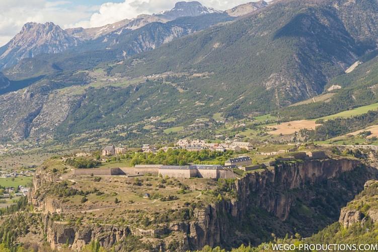 Vue sur la place forte de Mont-Dauphin (Hautes-Alpes)