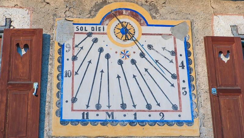 Cadrans solaire à St Véran (Queyras - Hautes-Alpes)