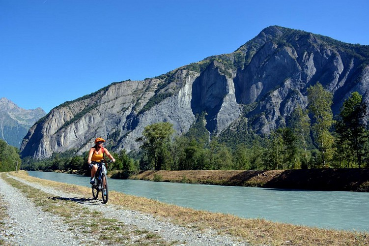 A ride in the Bourg d'Oisans plain