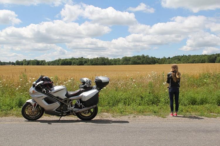 Circuit 1 : Moto au départ de Montsalvy