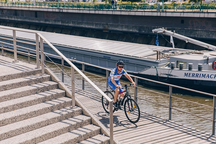 Halage Charleroi à vélo