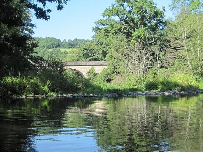 Descente de l'Orne en canoë ou kayak de Pont d'Ouilly à Clécy (14km)
