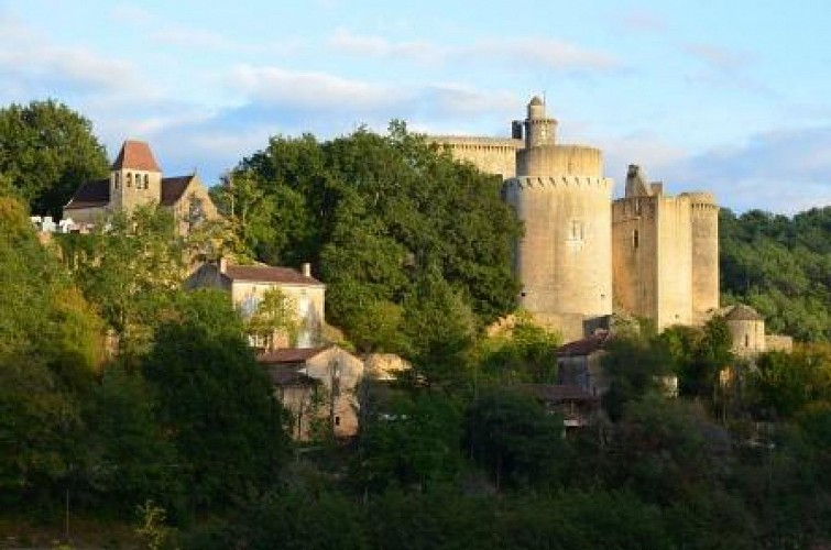 Bonaguil, château de la « Bonne Aiguille » ou de la « Bonne Eau »