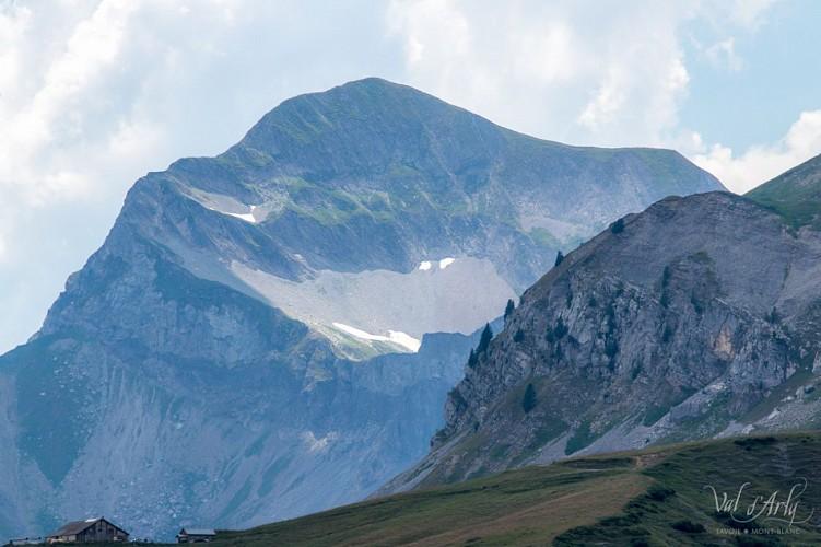 Mont Charvin depuis la route de la Soif