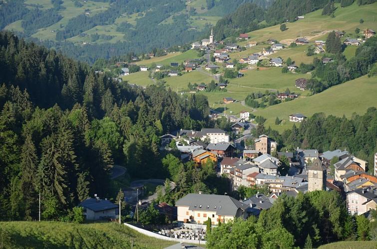 Village de Flumet depuis les Pontets Morettes