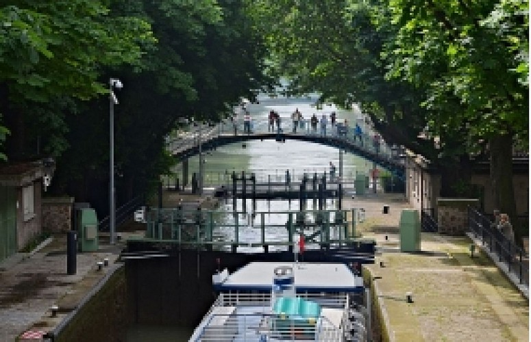 Cruise the canal Saint Martin