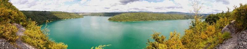 Around the lake of Vouglans
