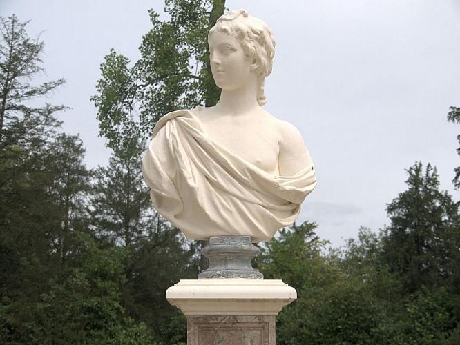 Promenade de la Reine au jardin de Versailles