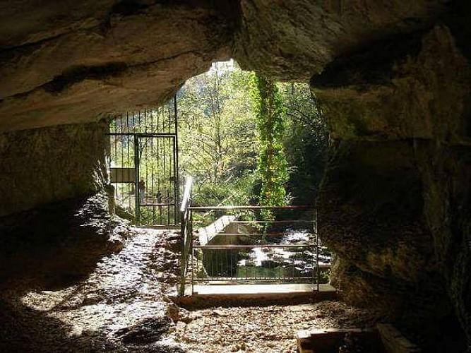 Grotte de Corveissiat