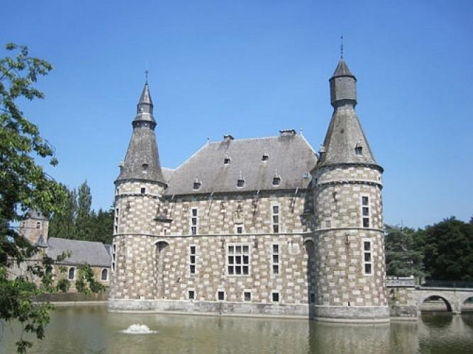 Jehay, village entre abbaye et château