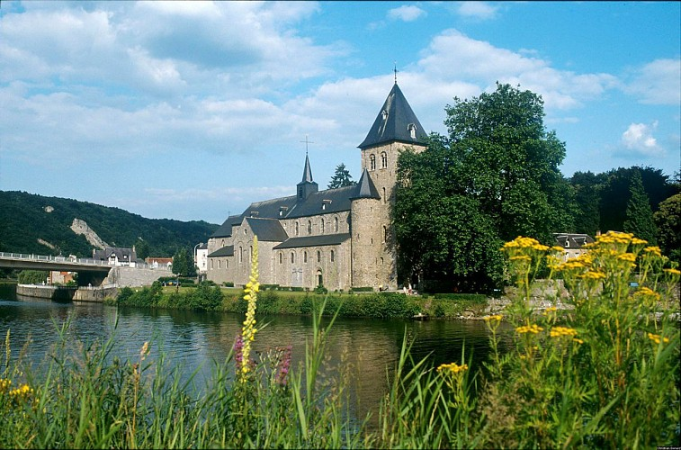 By boat: The Meuse and you