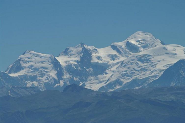 Montée du Praz de Lys par les Pavés : du village à l'alpage