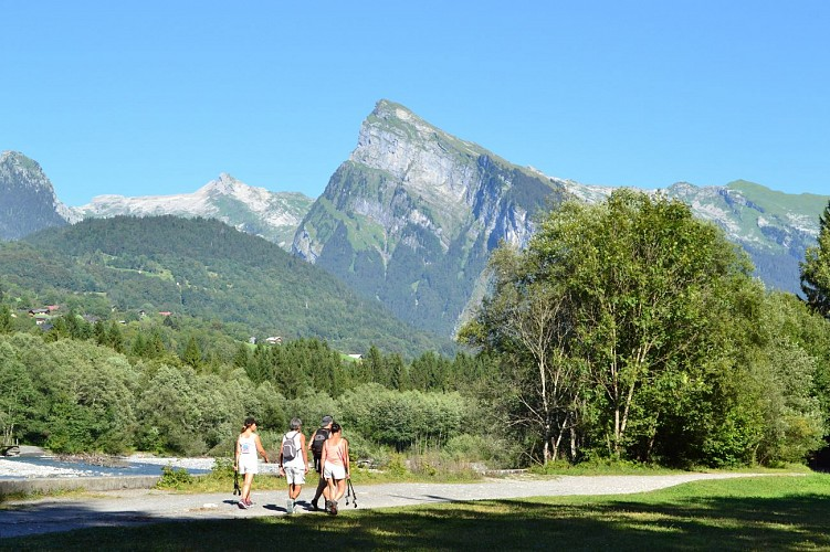 """Au fil du Giffre"" signposted summer trail"