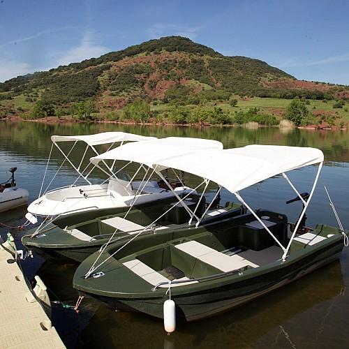 Circuit sur le lac du Salagou en bateau électrique, sans permis