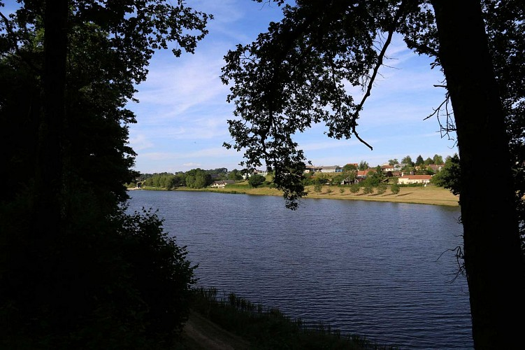 lac-depuis-sentier-sud-ouest