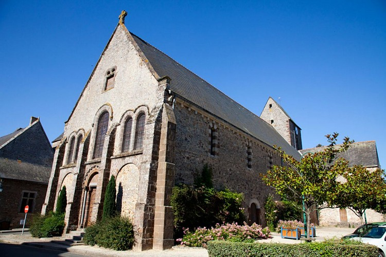 Loué- Brûlon- Circuit églises romanes
