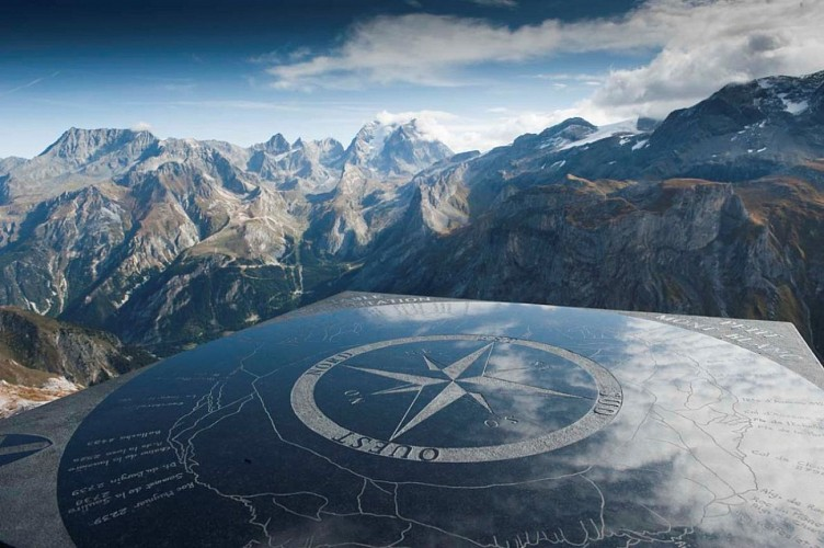 Panorama depuis le Petit Mont Blanc