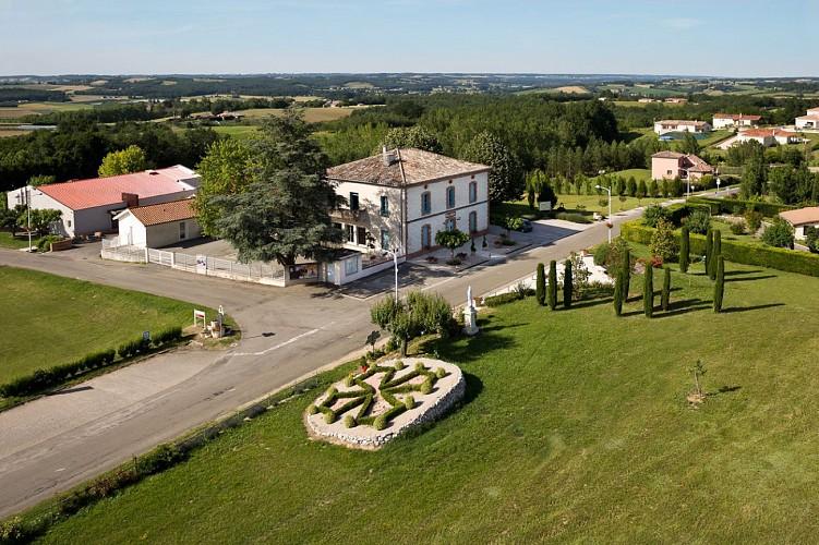 PR1 - Circuit du château à Puycornet (6km)