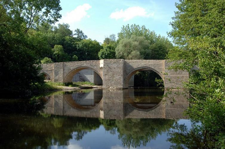 Pont médiéval sur le Thouet