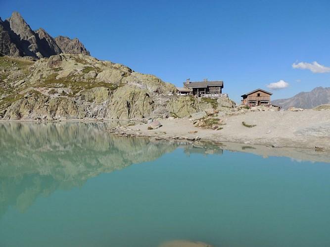 Les deux chalets du Lac Blanc