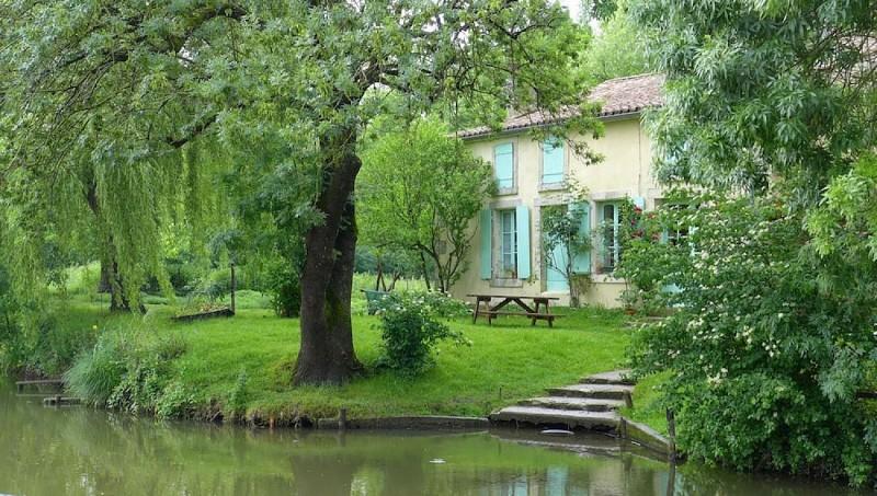 Maison au bord du Marais poitevin