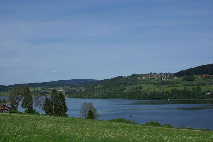 Vue sur le Lac de Saint Point