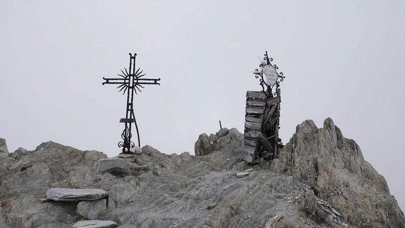 Le sommet de la Pointe des Cerces qui n'offre pas toujours un panorama dégagé