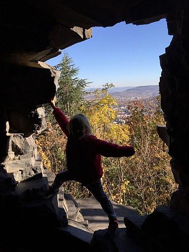 petite fenêtre donnant sur Clermont Ferrand