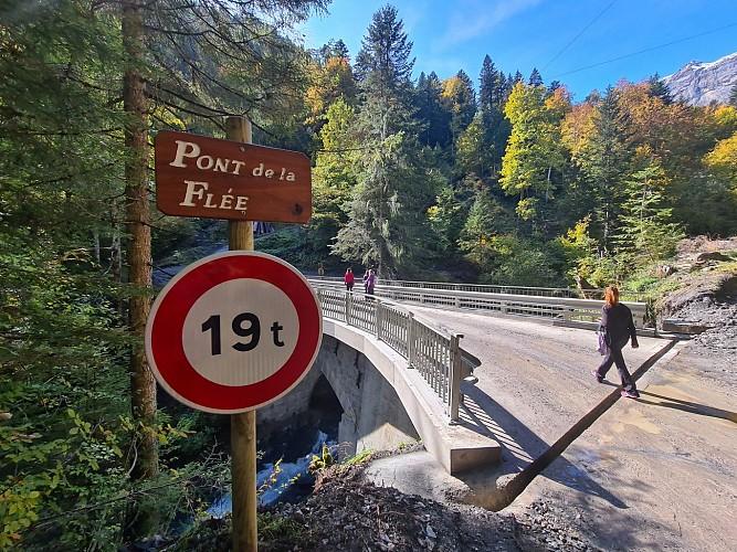 Sentier pédestre : le pont de la Flée