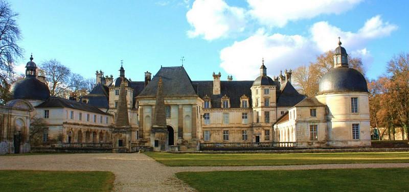 Château de Tanlay.