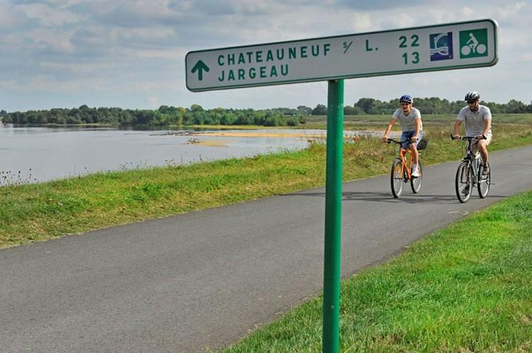 Loire à vélo - St-Denis-en-Val - Châteauneuf-sur-Loire
