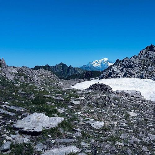 un jolie replat avec vue sur le Mont Blanc
