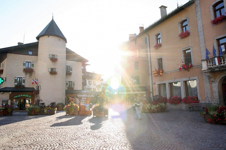 Pedestrian Itinerary: around the Village