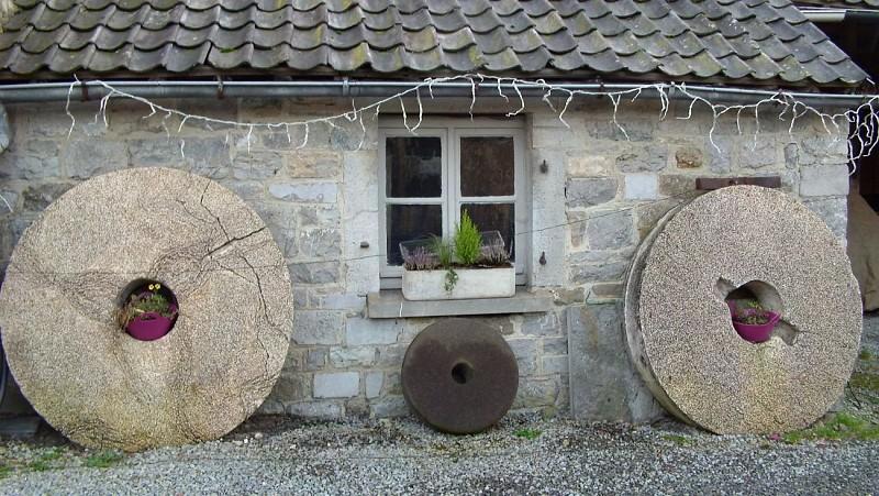 """Les 2 roues aux moulins : """"La meule"""""""