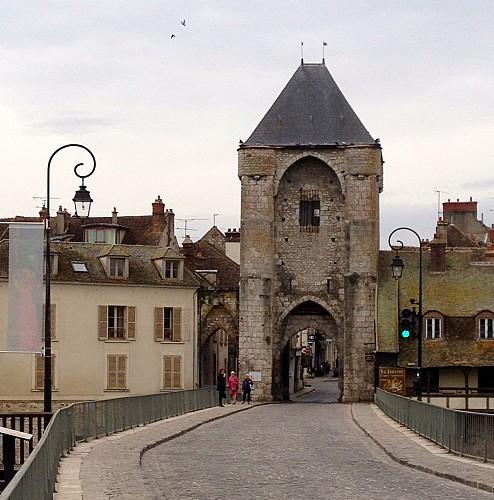 Porte de Bourgogne à Moret sur Loing