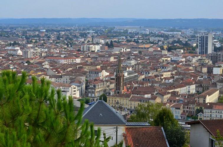 La ville d'Agen, vue du coteau de l'Ermitage