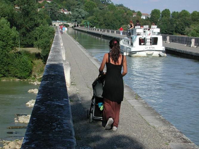Le pont-canal, boulevard de l'eau