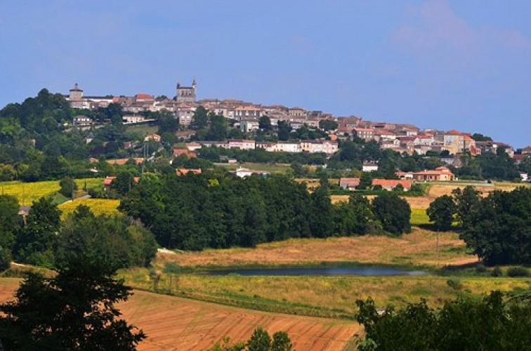 Monflanquin, la promenade des châteaux de la Lède