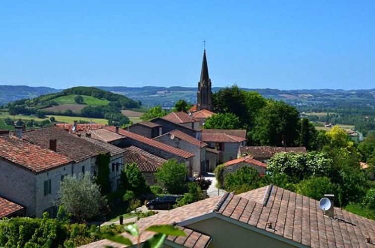 Dolmayrac, cité promontoire sur la vallée du Lot