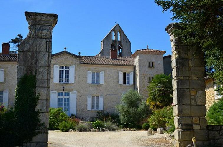 Du château de Ruffiac à l'église de Poussignac