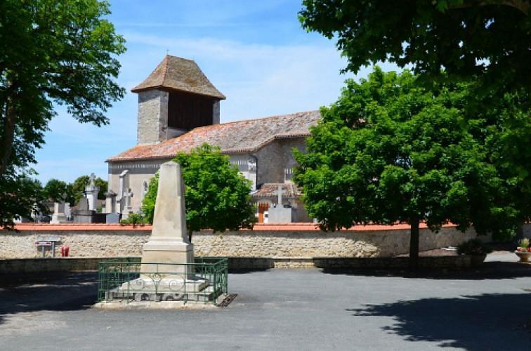 Sainte-Colombe-de-Villeneuve, vers l'église du Laurier